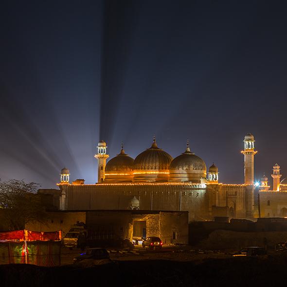 Abbasi mosque rays of light