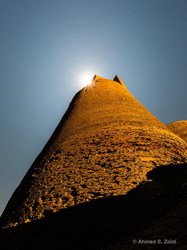 Derawar Fort lunar beacon in Cholistan