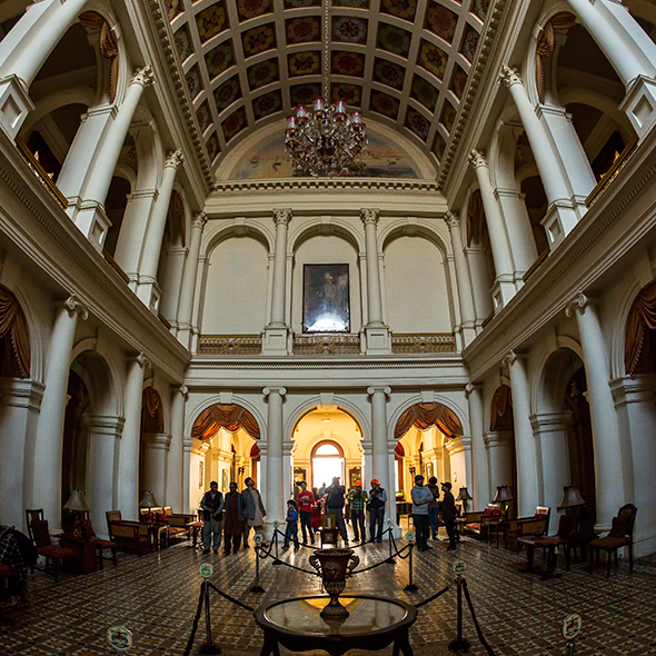 Noor Mahal interior