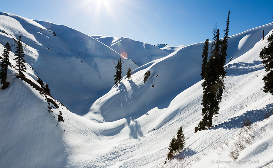 Makra Peak valley snow